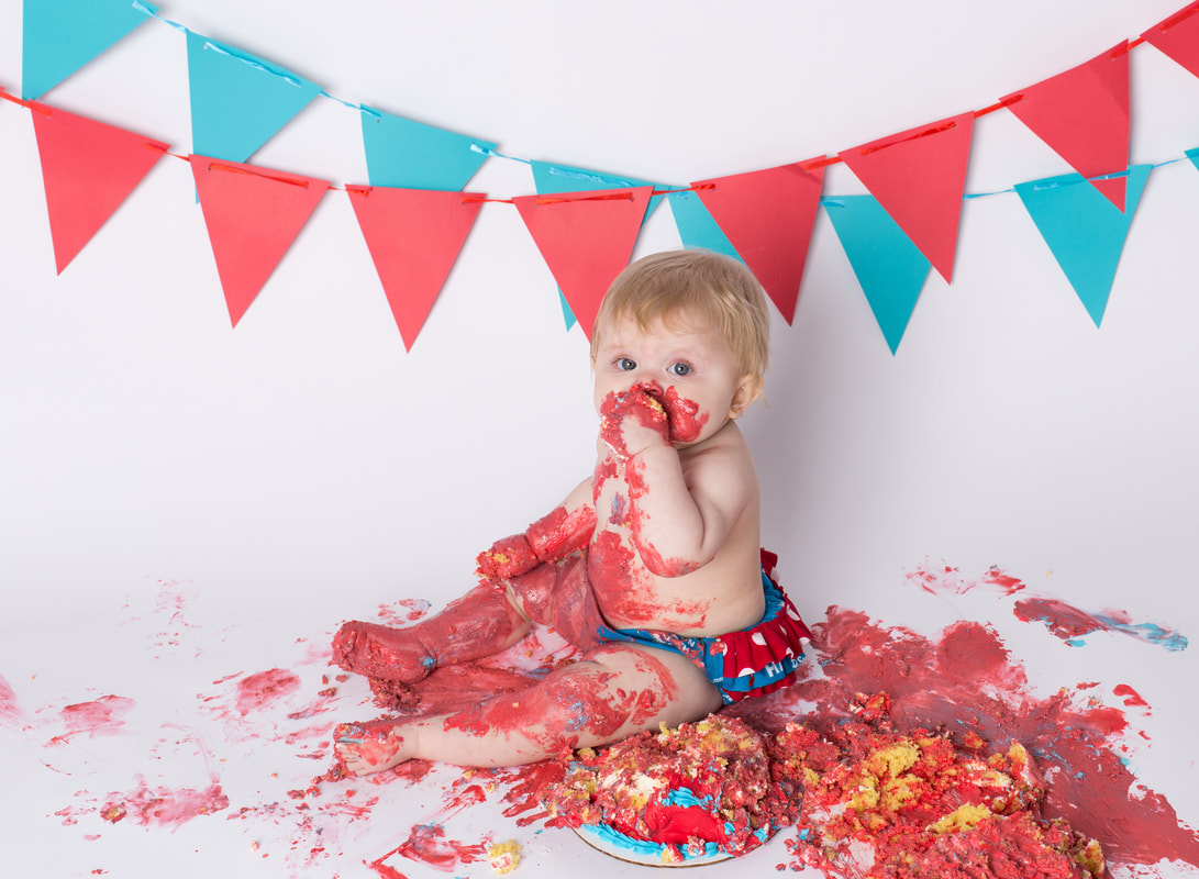 Snohomish county cake smash photographer, Everett Washington cake smash photographer, Snohomish county child photographer, Snohomish county photographer, Everett child photographer, child photographers in seattle, Snohomish county baby photographer, everett washington photographer, seattle washington photographer, seattle  family photographer, photographers Snohomish county